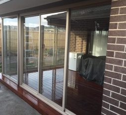 Aluminium Sliding Door 3 Panel Primrose