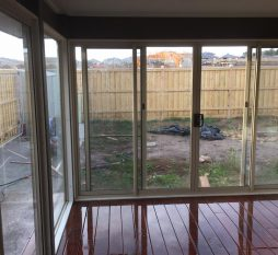 Aluminium Sliding Door 4 Panel Primrose (inside)